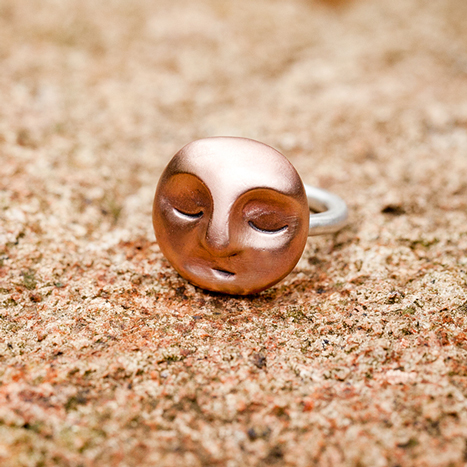 Medium Meditating Moon Ring in Bronze